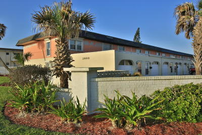 Ormond Beach Condo/Townhouse For Sale: 2800 Ocean Shore Boulevard #2
