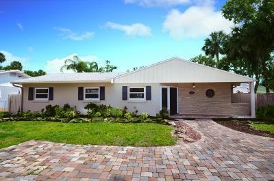 New Smyrna Beach Single Family Home For Sale: 1609 Magnolia Street