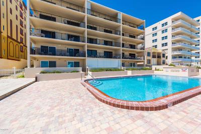 Daytona Beach Condo/Townhouse For Sale: 3807 S Atlantic Avenue #1030