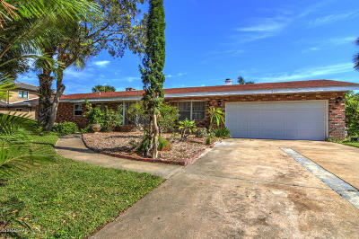 Ormond Beach Single Family Home For Sale: 261 Oak Drive