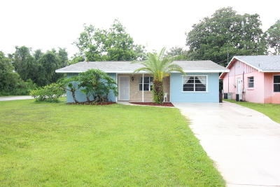 New Smyrna Beach Single Family Home For Sale: 2500 Westwood Avenue