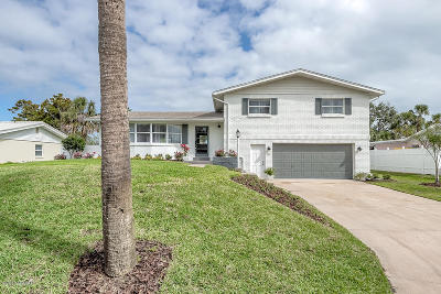 Ormond Beach Single Family Home For Sale: 131 Royal Dunes Boulevard