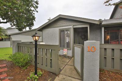 Ormond Beach Condo/Townhouse For Sale: 201 Orange Grove Drive #J