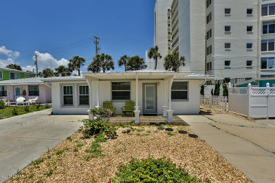 Volusia County Single Family Home For Sale: 1111 Ocean Shore Boulevard #3