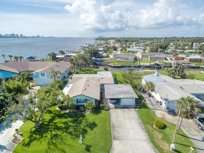 South Daytona Single Family Home For Sale: 137 Reef Road