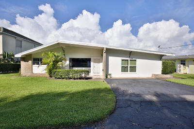 Daytona Beach Single Family Home For Sale: 3054 N Peninsula Drive