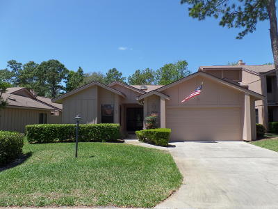 Spruce Creek Fly In Condo/Townhouse For Sale: 1924 Whisperwood Way