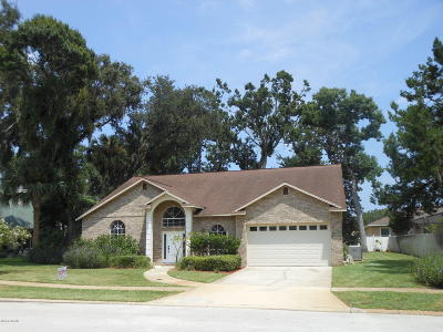 South Daytona Single Family Home For Sale: 3409 Country Manor Drive