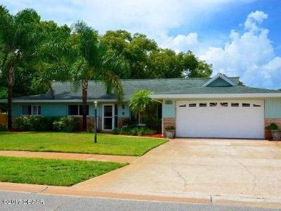 Port Orange Single Family Home For Sale: 107 Cambridge Drive