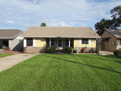 Port Orange Single Family Home For Sale: 17 E Bayshore Drive