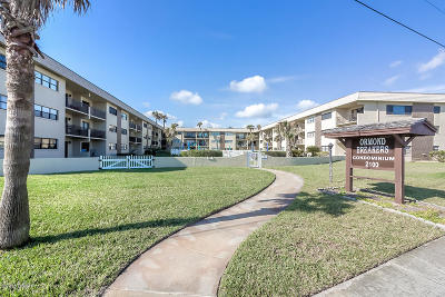 Ormond Beach Condo/Townhouse For Sale: 2100 Ocean Shore Boulevard #101