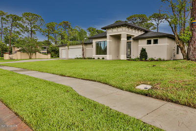 Daytona Beach Single Family Home For Sale: 201 Pleasant Valley Drive