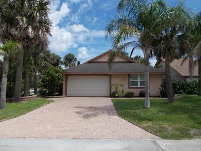 New Smyrna Beach Single Family Home For Sale: 300 Condict Drive