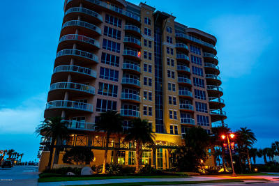 Daytona Beach Condo/Townhouse For Sale: 3703 S Atlantic Avenue #504