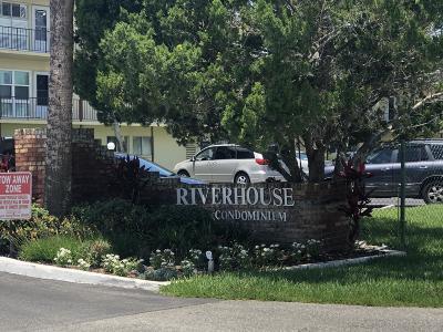 Daytona Beach Condo/Townhouse For Sale: 719 S Beach Street #209B