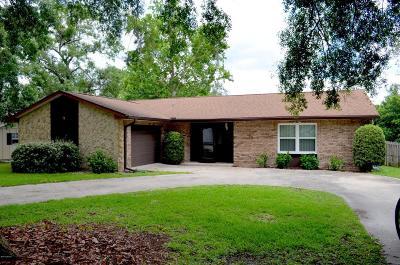 Orange City  Single Family Home For Sale: 121 E Elm Drive