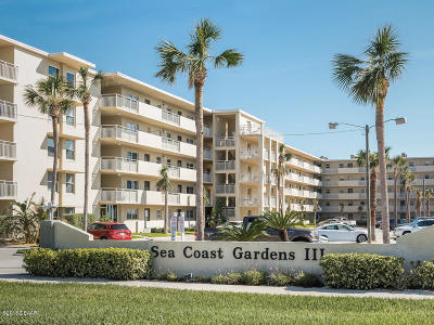 New Smyrna Beach Condo/Townhouse For Sale: 4153 S Atlantic Avenue #209
