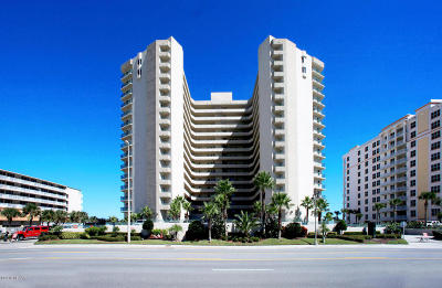 Daytona Beach Shores Condo/Townhouse For Sale: 2055 S Atlantic Avenue #204