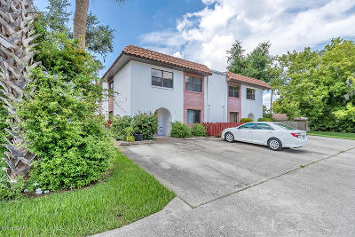 South Daytona Condo/Townhouse For Sale: 910 Big Tree Road #1101