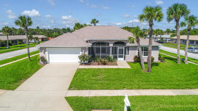 South Daytona Single Family Home For Sale: 147 Tradewinds Circle