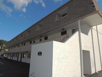 Ormond Beach Condo/Townhouse For Sale: 60 Vining Court #30