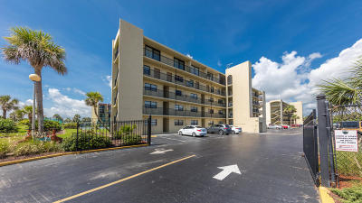 Daytona Beach Condo/Townhouse For Sale: 1441 N Atlantic Avenue #411