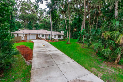 New Smyrna Beach Single Family Home For Sale: 686 Wildwood Drive