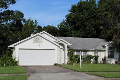 South Daytona Single Family Home For Sale: 134 Bryan Cave Road