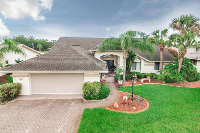 Palm Coast Single Family Home For Sale: 28 N Claridge Court