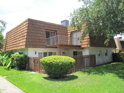 Volusia County Attached For Sale: 109 Moonstone Court