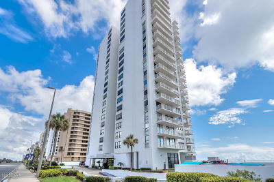 Daytona Beach Condo/Townhouse For Sale: 3043 S Atlantic Avenue #806