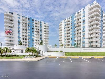 Daytona Beach Condo/Townhouse For Sale: 935 N Halifax Avenue #110