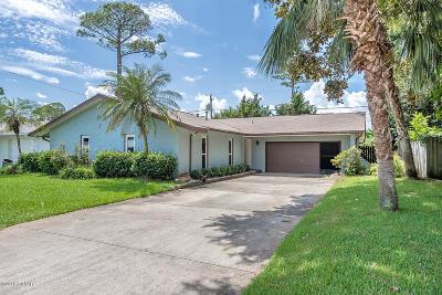 South Daytona Single Family Home For Sale: 523 Dorset Circle
