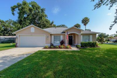 South Daytona Single Family Home For Sale: 628 Clairmont Lane