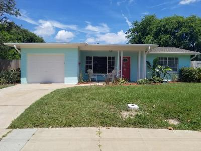 Volusia County Single Family Home For Sale: 72 Wye Drive