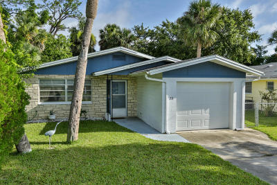 Port Orange Single Family Home For Sale: 211 Fox Place