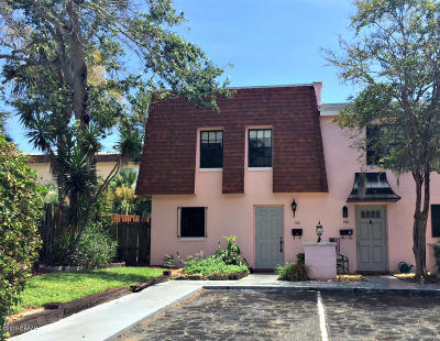 Daytona Beach Condo/Townhouse For Sale: 128 Mitchell Place