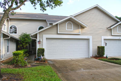 Spruce Creek Fly In Condo/Townhouse For Sale: 1975 Rutgers Place