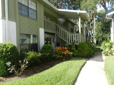 Holly Hill Condo/Townhouse For Sale: 840 Center Avenue #83
