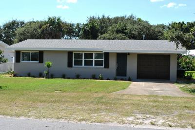 New Smyrna Beach Single Family Home For Sale: 705 Maralyn Avenue
