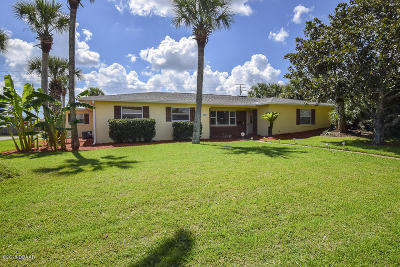Ormond Beach Single Family Home For Sale: 200 Royal Dunes Circle
