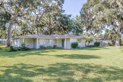 South Daytona Single Family Home For Sale: 855 Pineapple Road