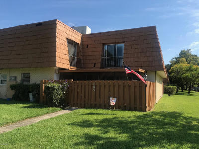 Volusia County Attached For Sale: 185 Moonstone Court
