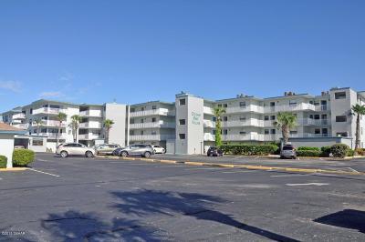 New Smyrna Beach Condo/Townhouse For Sale: 1571 S Atlantic Avenue #2070