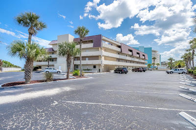 Volusia County Condo/Townhouse For Sale: 935 Ocean Shore Boulevard #3040