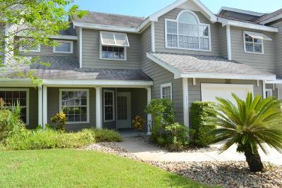 Daytona Beach Condo/Townhouse For Sale: 125 Grand Oaks Circle