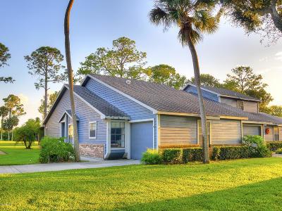 Daytona Beach Condo/Townhouse For Sale: 220 Bob White Court #2200