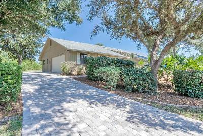 New Smyrna Beach Single Family Home For Sale: 1045 Club House Boulevard