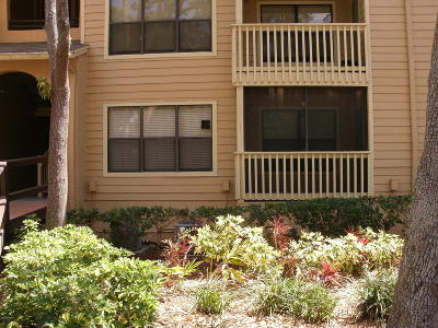Daytona Beach Condo/Townhouse For Sale: 1401 S Palmetto Avenue #104