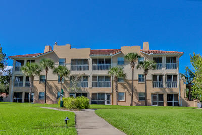 Palm Coast Condo/Townhouse For Sale: 65 S Riverview Bend #1721